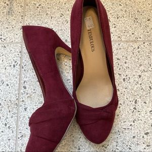 Justfab burgundy heels with bow detail NWOT